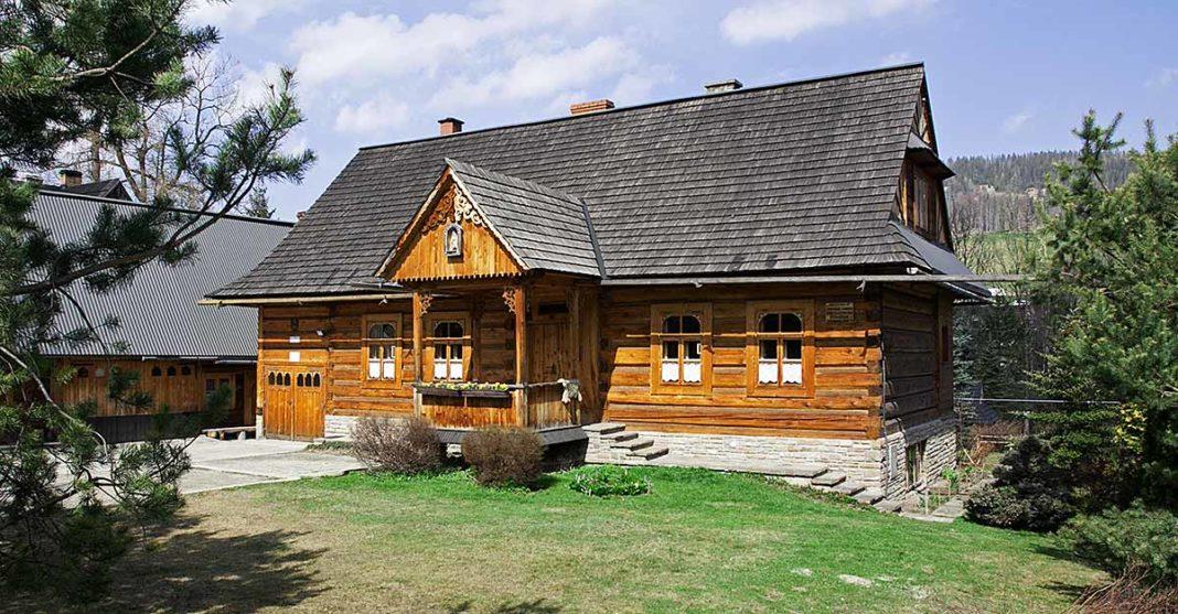Ul Kościeliska domy góralskie