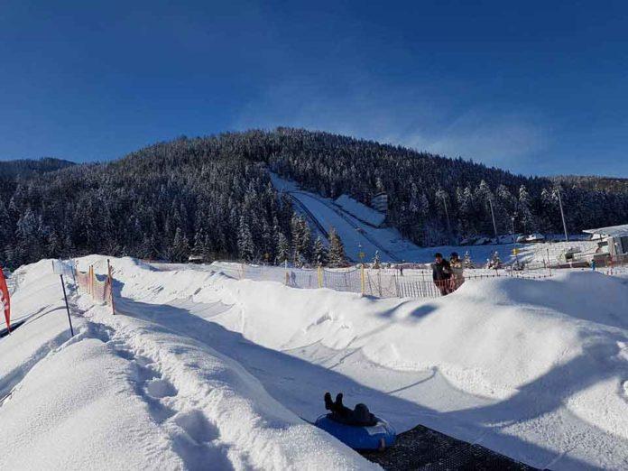 Snowtubing Gigant Zakopane, zjazd na pontonie