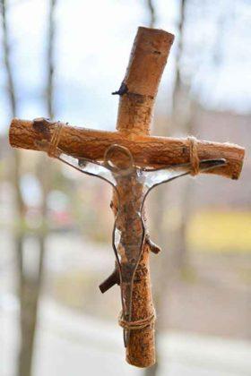 Kinga Kulach, krzyż witraż