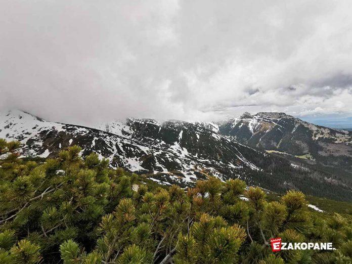Warunki w Tatrach, śnieg, niski pułap chmur