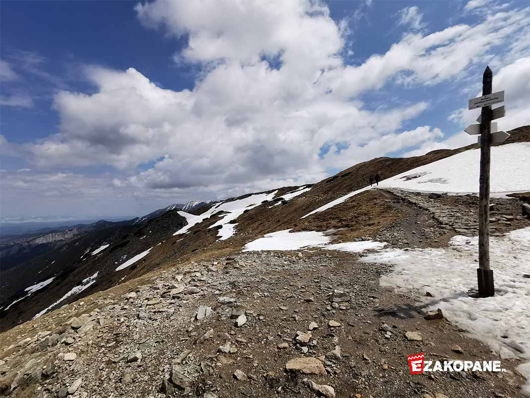 Warunki w Tatrach, płaty śniegu na szlakach
